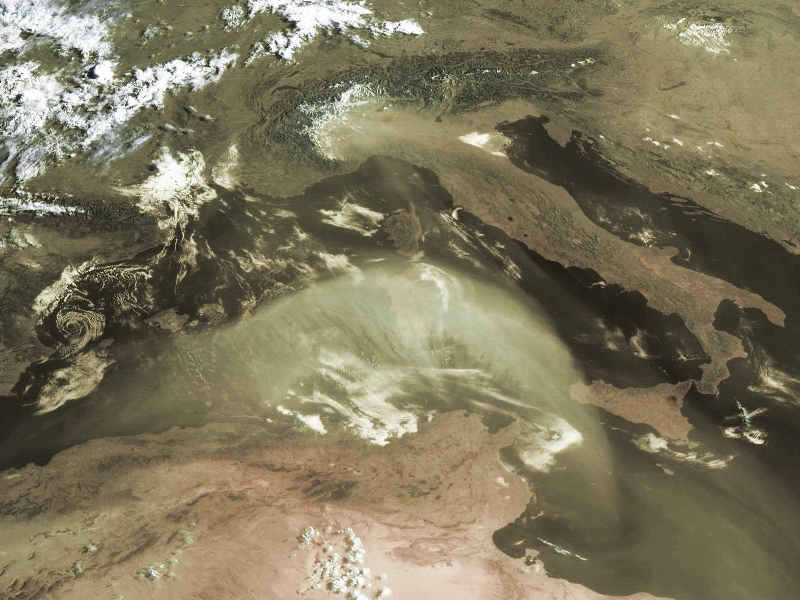 Met-8, 28 July 2005, 07:00 UTC