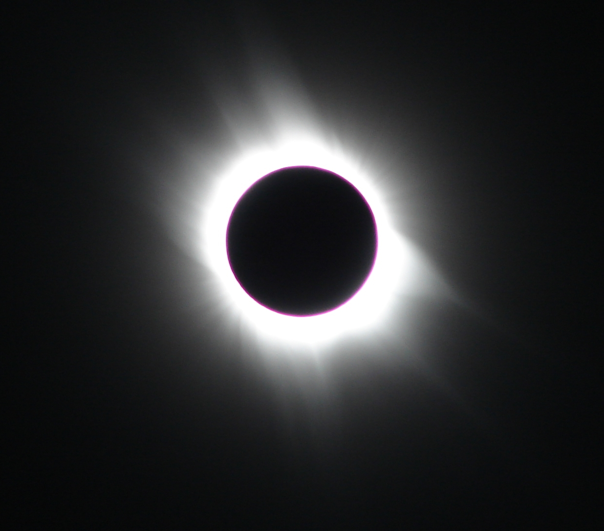 Total solar eclipse: the chromosphere of