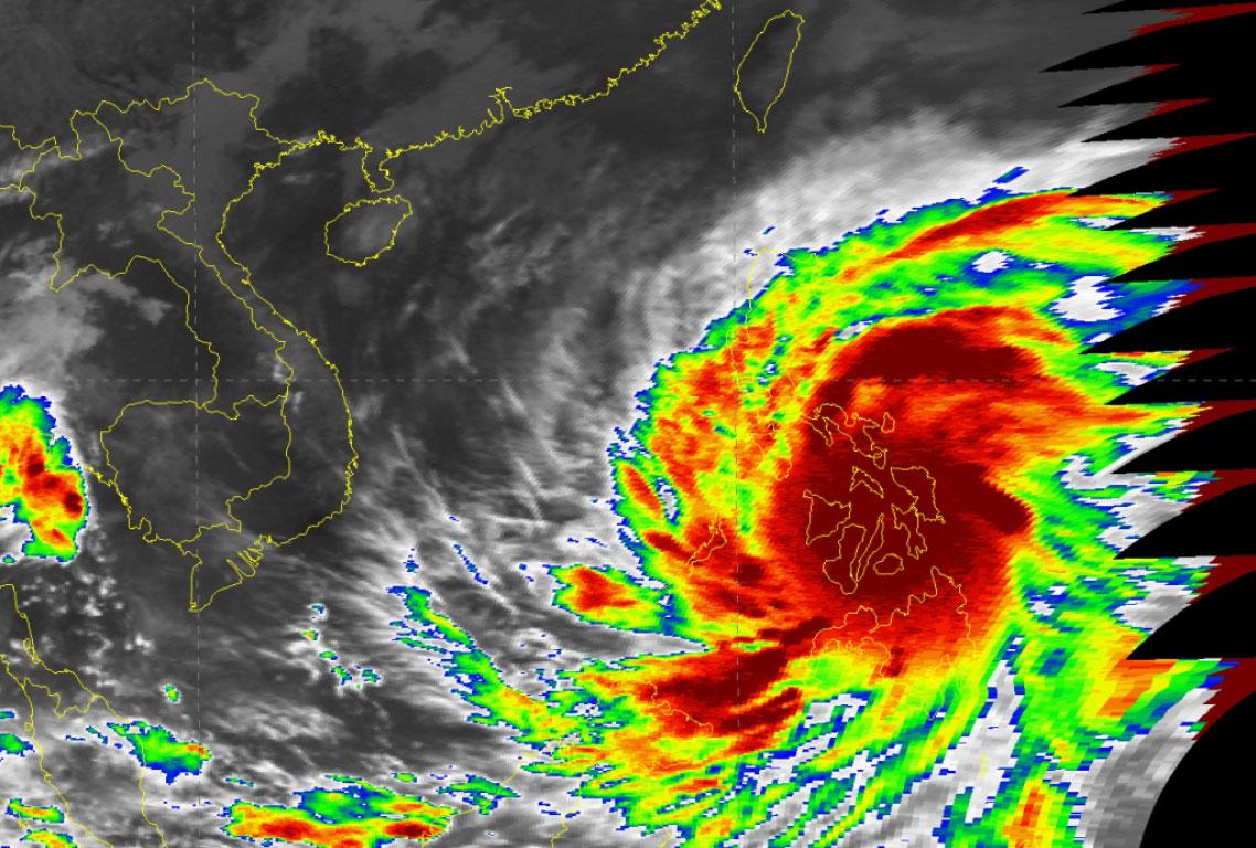 Super Typhoon Haiyan devastates the Philippines