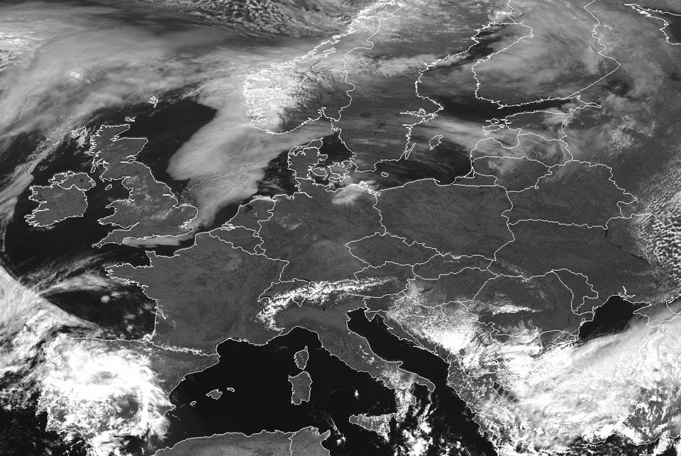 Meteosat-10 High Resolution Visible (HRV), 9 April 12:00 UTC