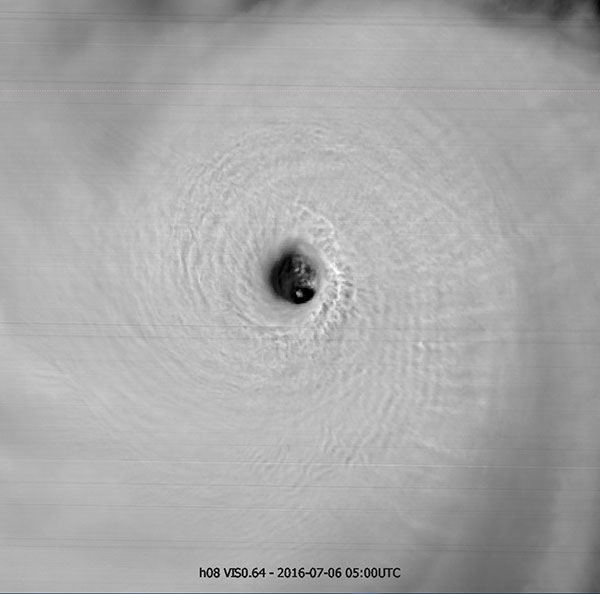Himawari-8 visible image, 6 July 05:00 UTC