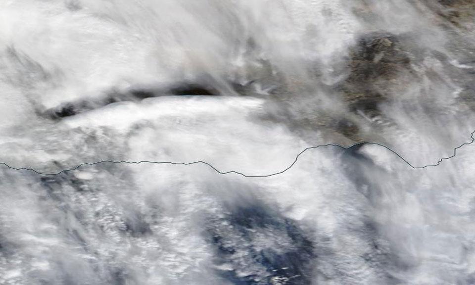 A lenticular cloud over the Sierra de Tejeda on 21 January 2016