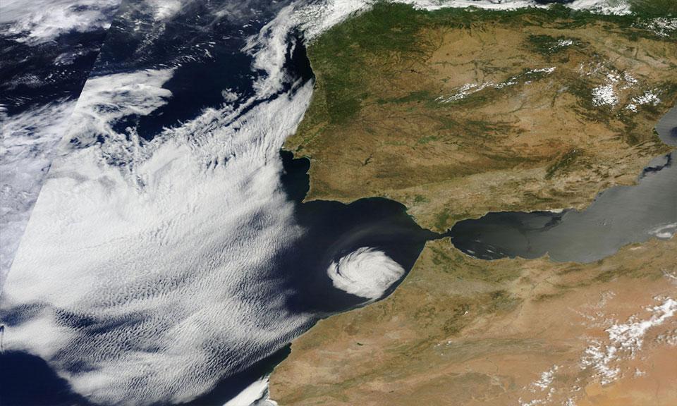 Terra, 10 July 2016, 11:05 UTC