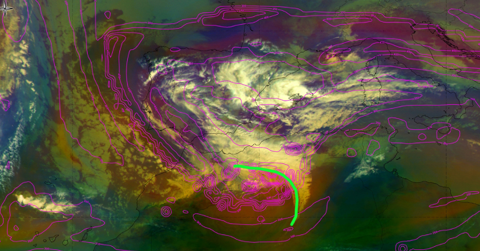 Airmass RGB, 20 January 12:00 UTC, overlaid with ECMWF height 1.5PVU surface. Green line depicts the baroclinic leaf (Credit: ePort )