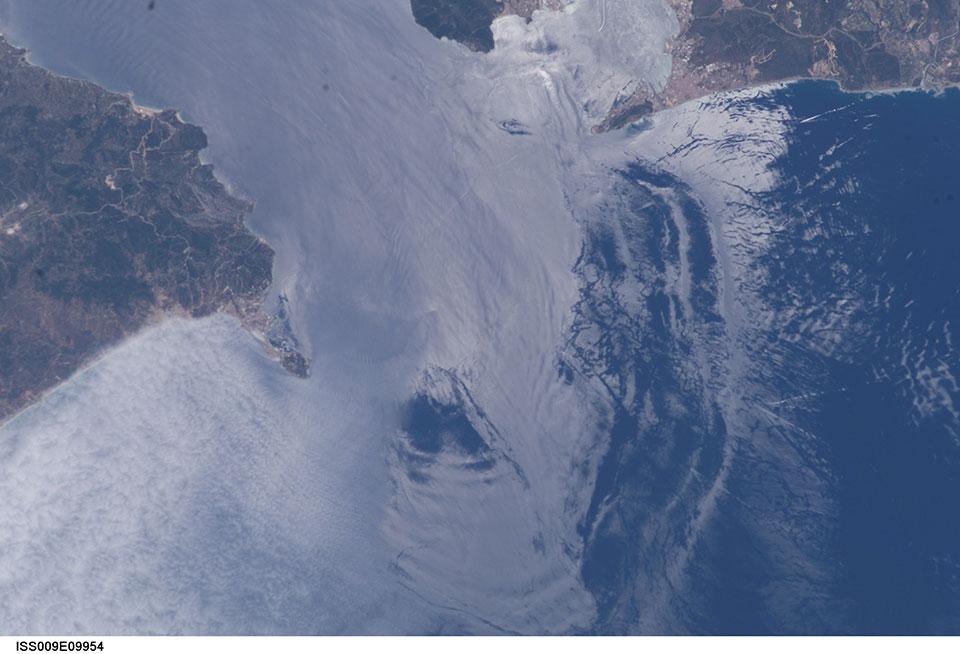 ISS image, 3 June 2004, 12:21 UTC. Credit: NASA