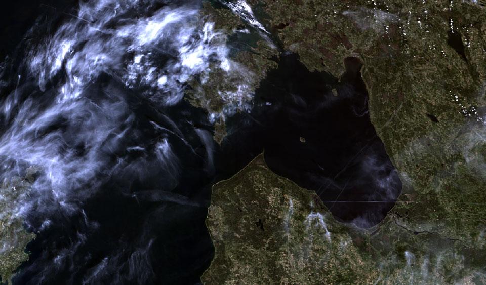 Sentinel-3 OLCI True Colour, 8 May 09:33 UTC