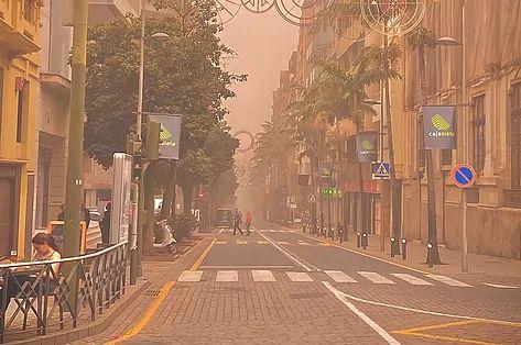 Dust at street level. Credit: Diario El Mundo