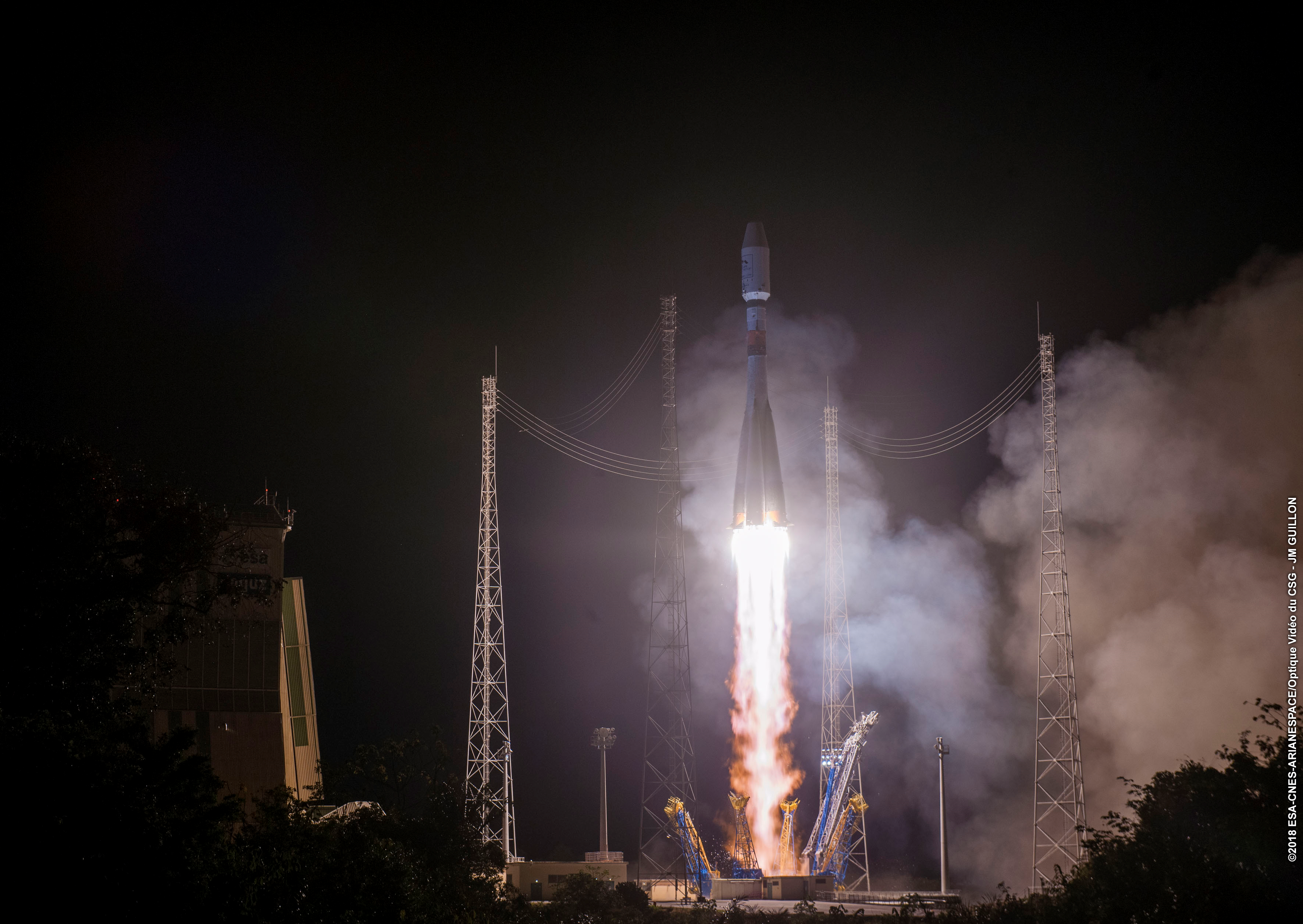 Lift-off of Metop-C
