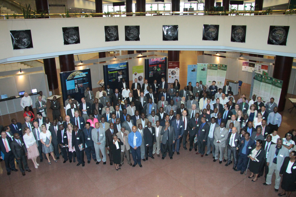 Group photo at the 10th EUMETSAT User Forum in Africa