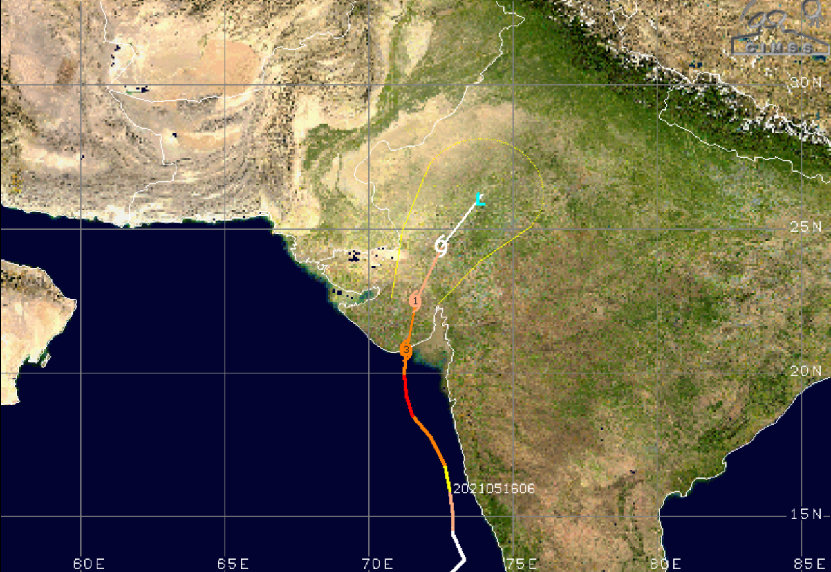 Graphic of a storm track and 36h forecast valid at 17 May, 18:00 UTC