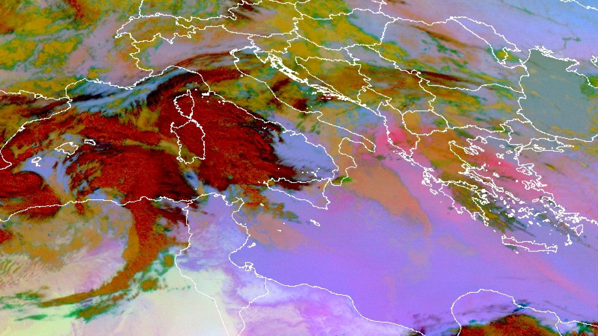 New lava flows & ash/SO2 plumes from Mount Etna