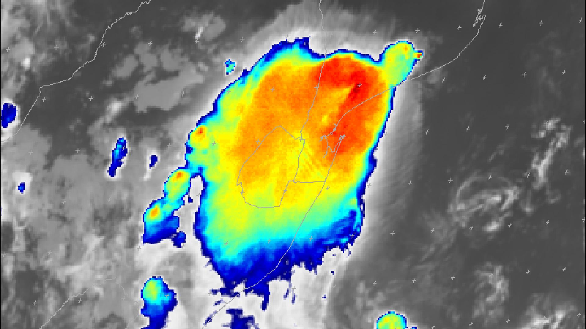 Cold-U shaped convective storm close to Maputo