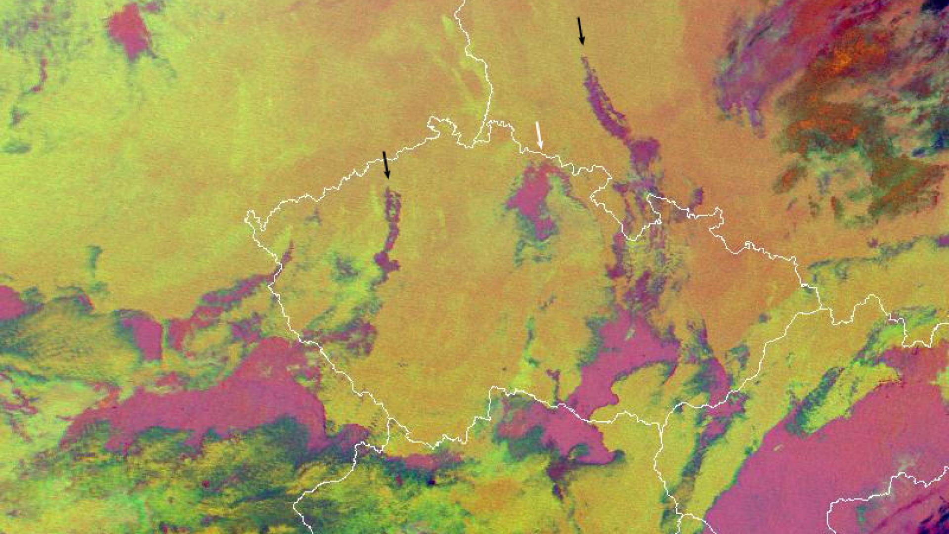 Pollution causes cloud-free gaps in clouds