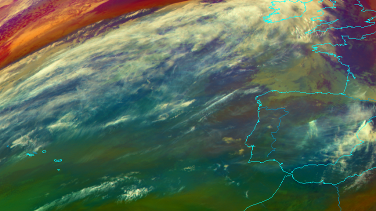 Cross-Atlantic moisture transport