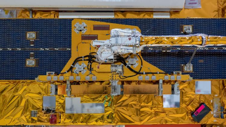 Assembling Metop-C for launch