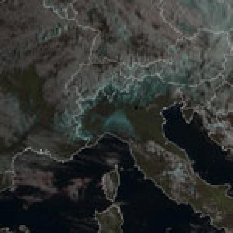 Widespread snowfall in the lowlands south of the Alps