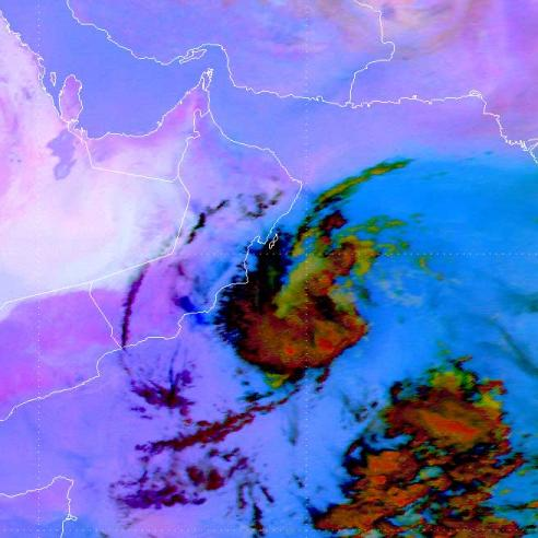 Quasi-stationary convective complex off the Omani south coast