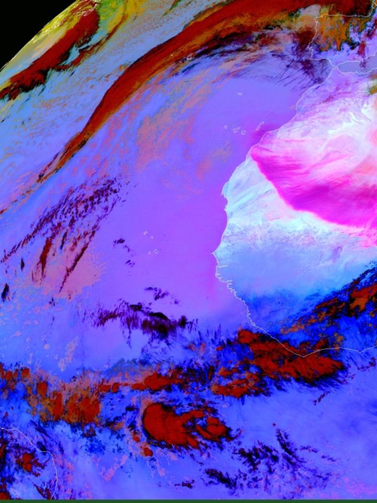 Sahara dust outbreak across the Atlantic