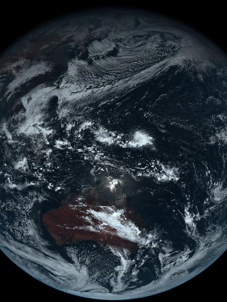 First images from Himawari-8