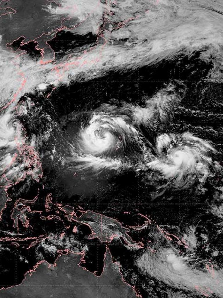 Triple cyclones over northwest Pacific
