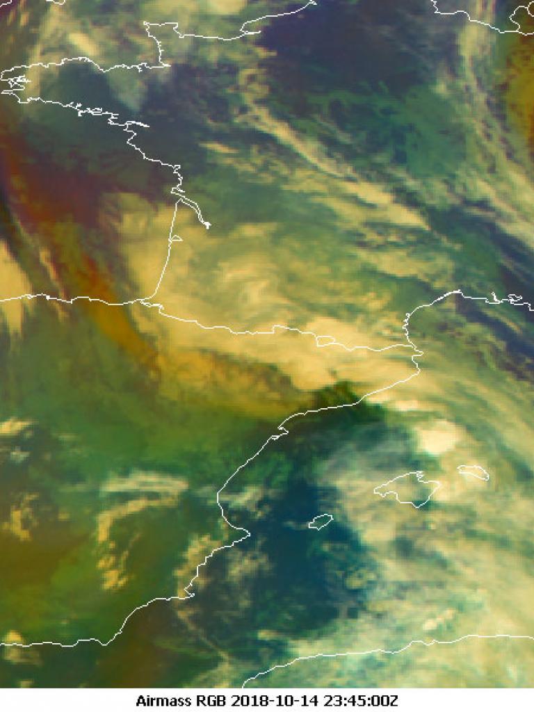 Storm Leslie batters parts of Western Europe