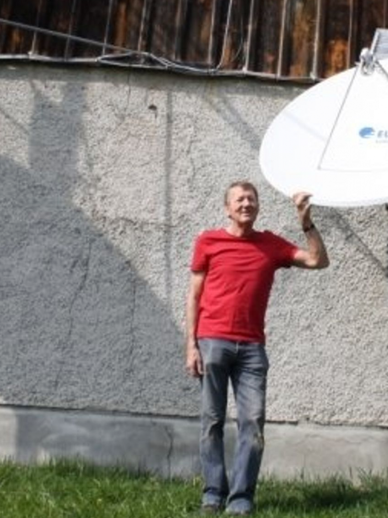 Paul Geissmann with his satellite dish