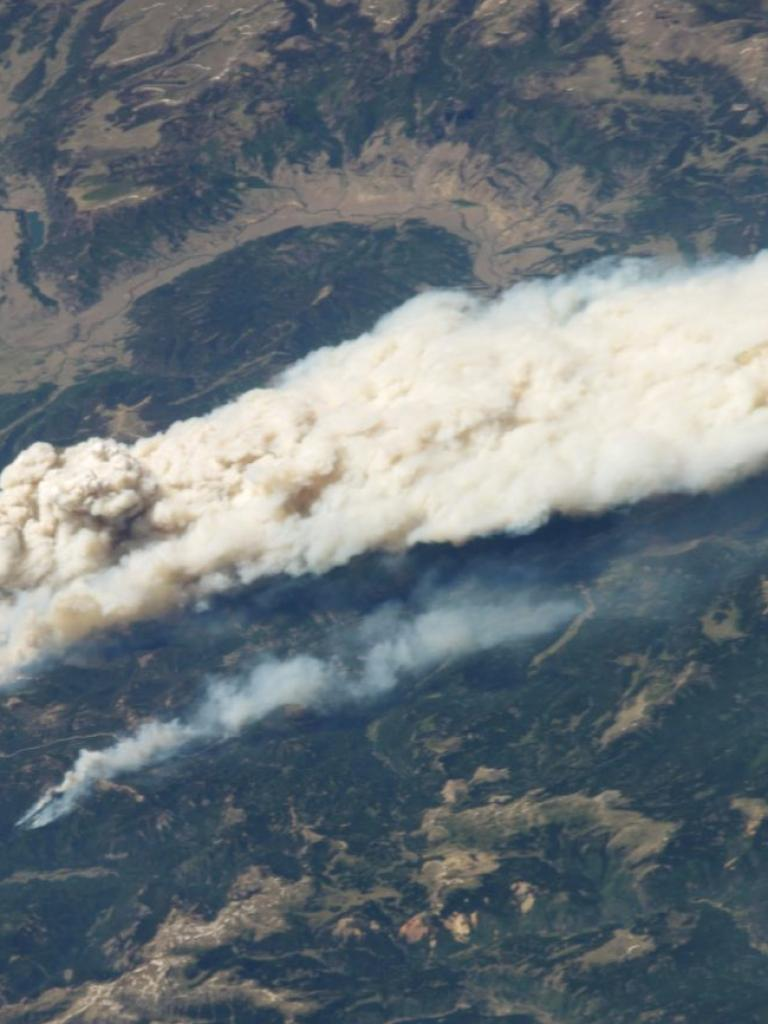 Observing wildfire smoke plumes from space
